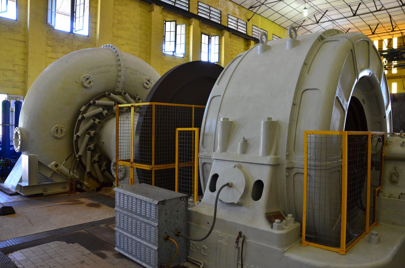 Groupe turbo-alternateur de la centrale de Sanga