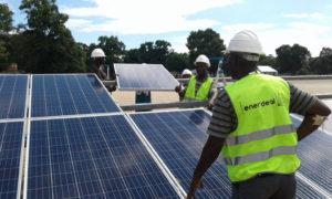 Réalisation de la centrale solaire de Manono
