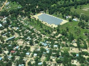 Vue aérienne de la centrale solaire de Manono en RDCongo