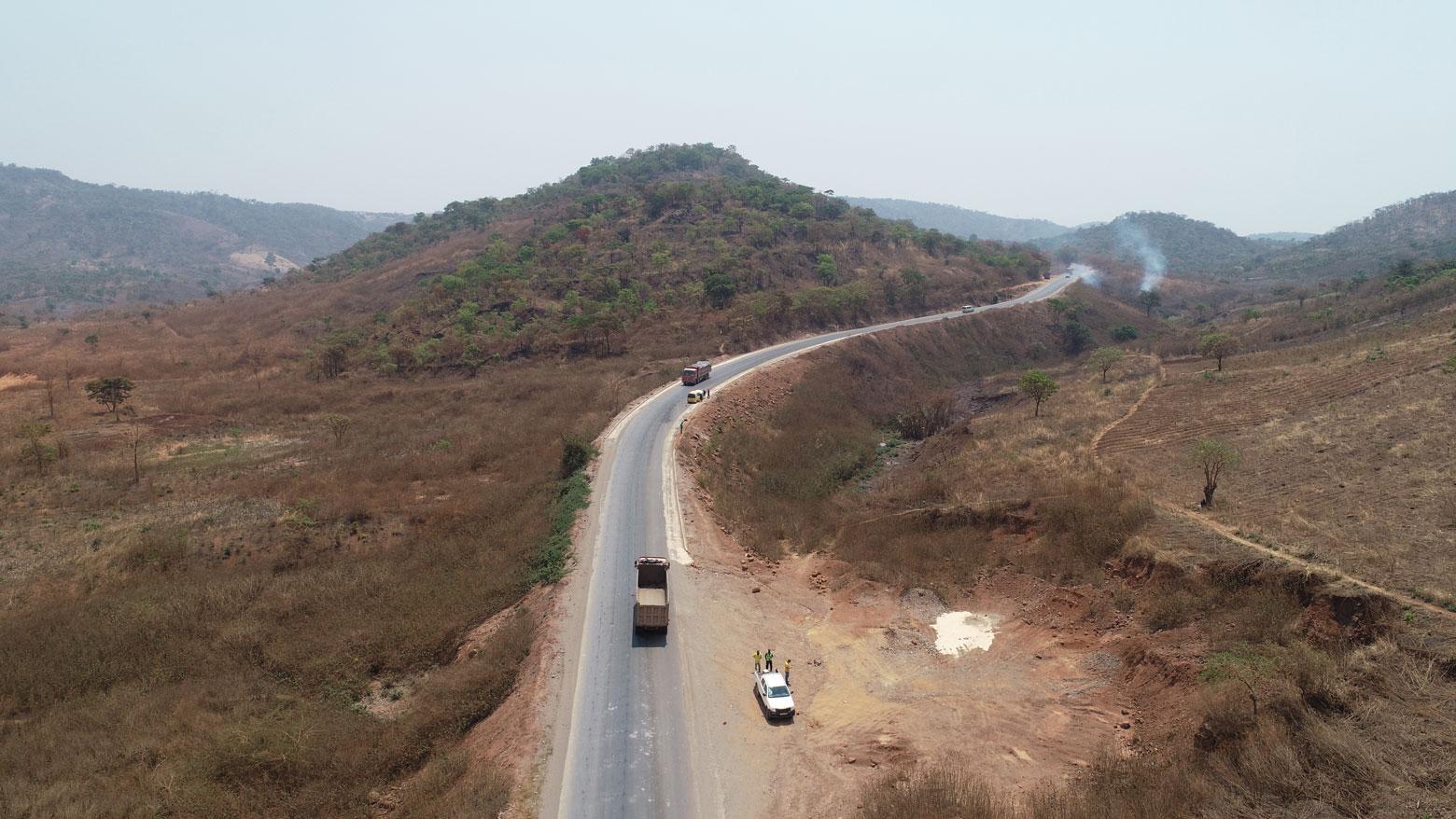 Vue aérienne de la route Likasi-Kambove en RD Congo