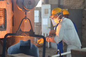 Equipements de sécurité dans un atelier de fonderie