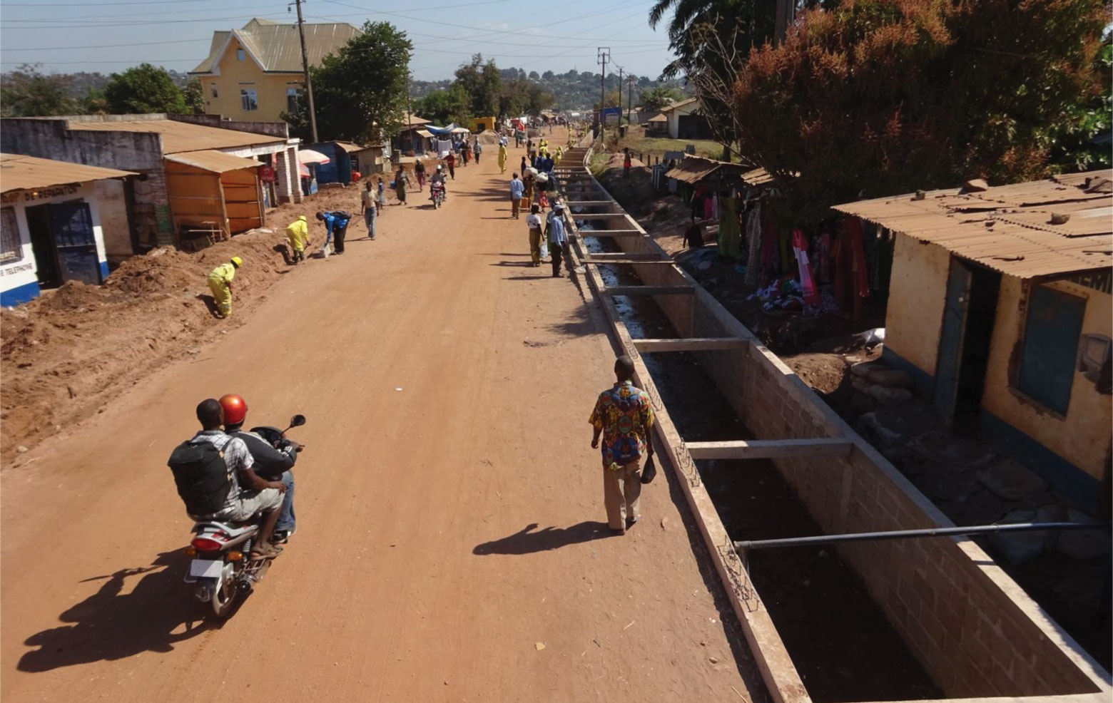 Travaux de construction de la route Kituku à Kalemie, RDC