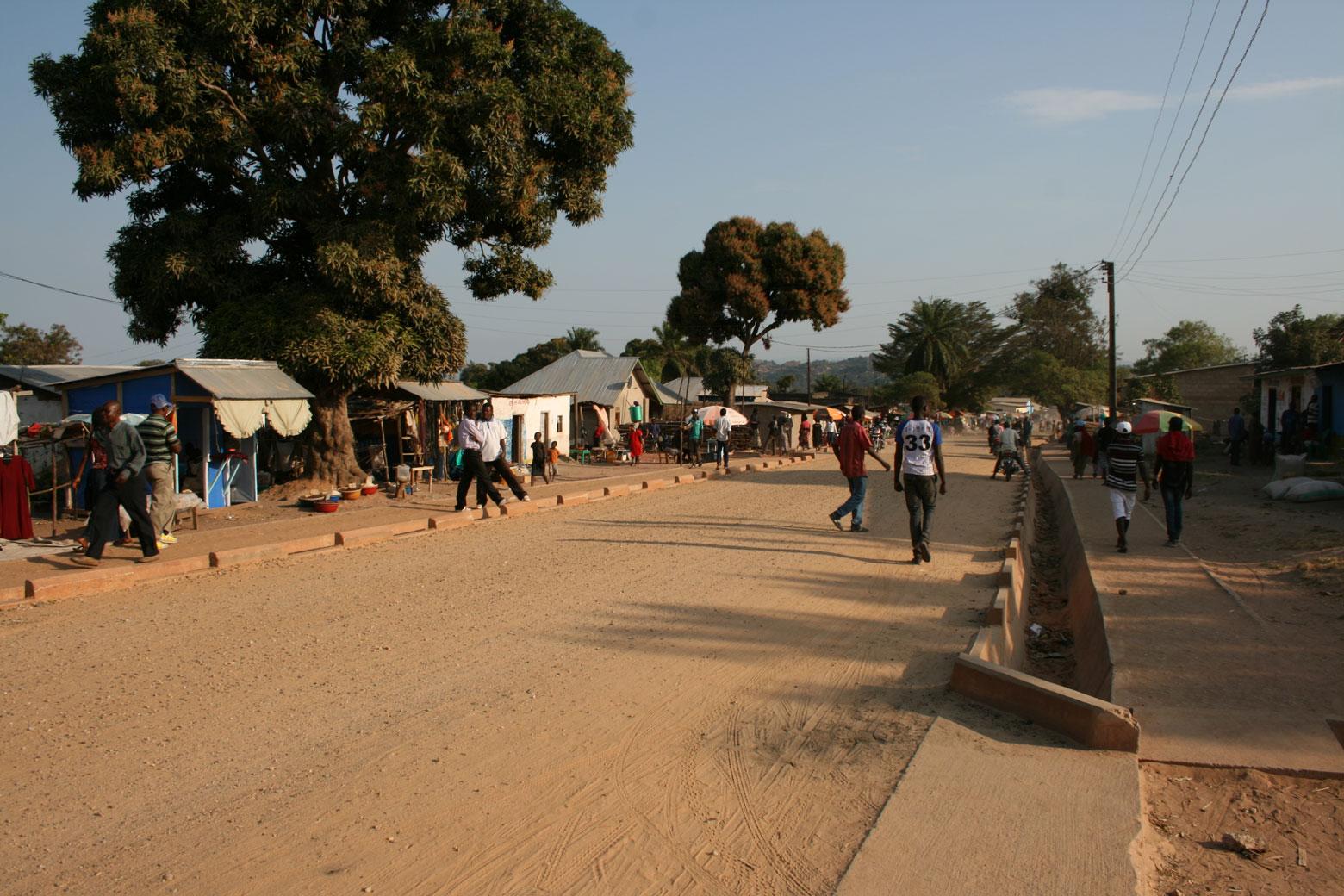 Dans la province du Tanganyika, route Kituku à Kalemie.