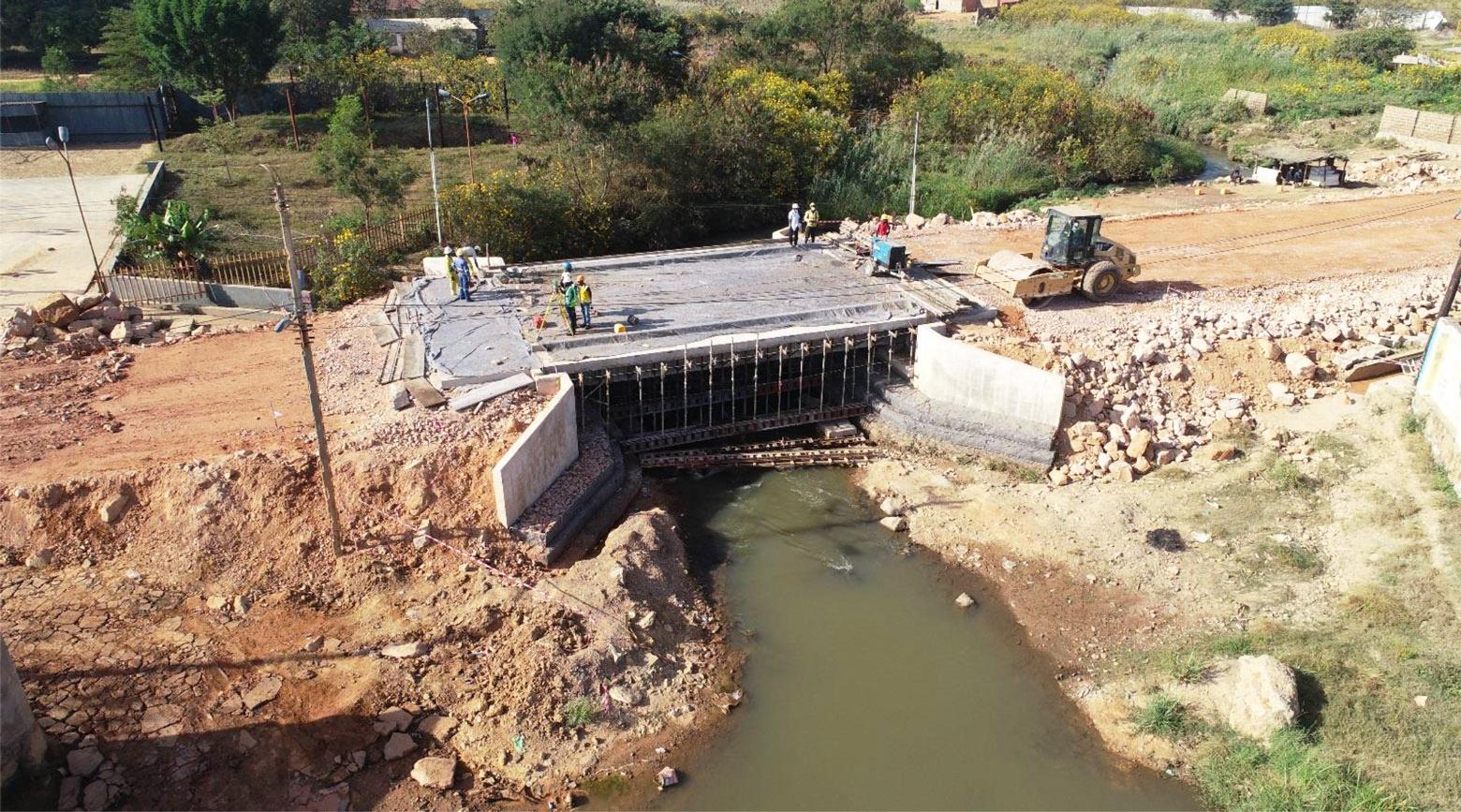Construction pont Kabulameshi, Lubumbashi