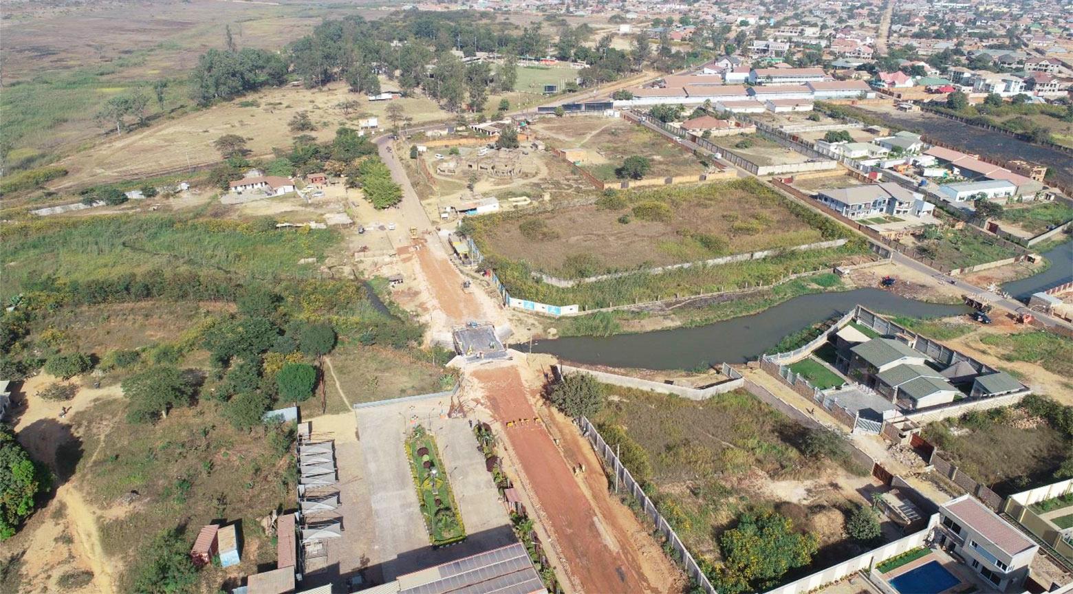Vue aérienne du pont Kabulameshi en RD Congo