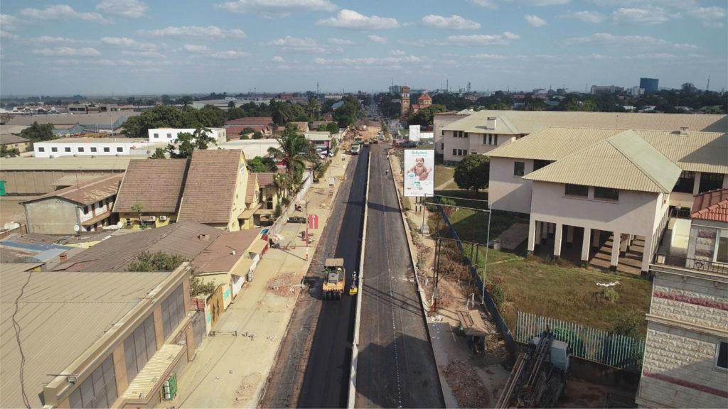 L'avenue Lumumba en travaux à hauteur du Lycée Kiwele.