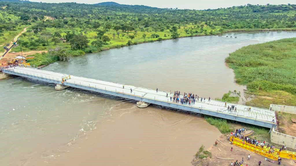 Construction du pont Nyemba dans la Province du Tanganyika, RD Congo.